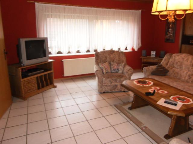 Das Wohnzimmer Ist Etwa 30 Qm Gross Fr Ihre Unterhaltung Sorgt Ein Sat TV Gert Sowie Eine Stereo Anlage